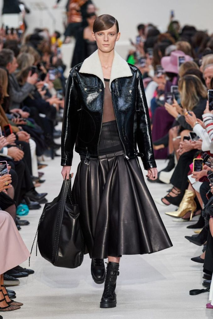Fashionable leather skirts fall-winter 2020-2021 from the Valentino collection