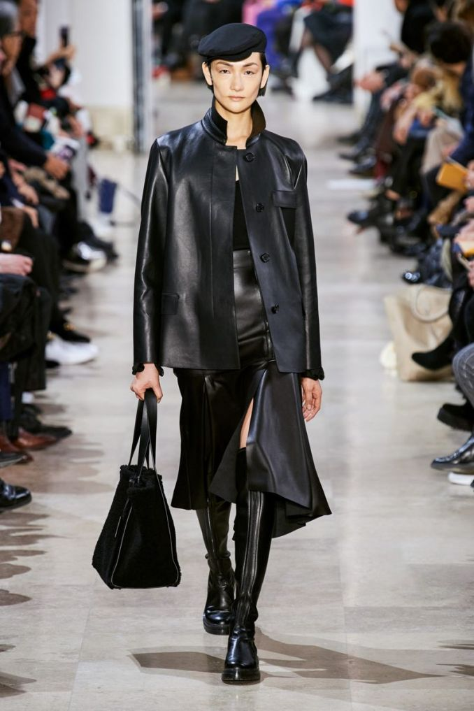 Fashionable leather skirts fall-winter 2020-2021 from the Akris collection