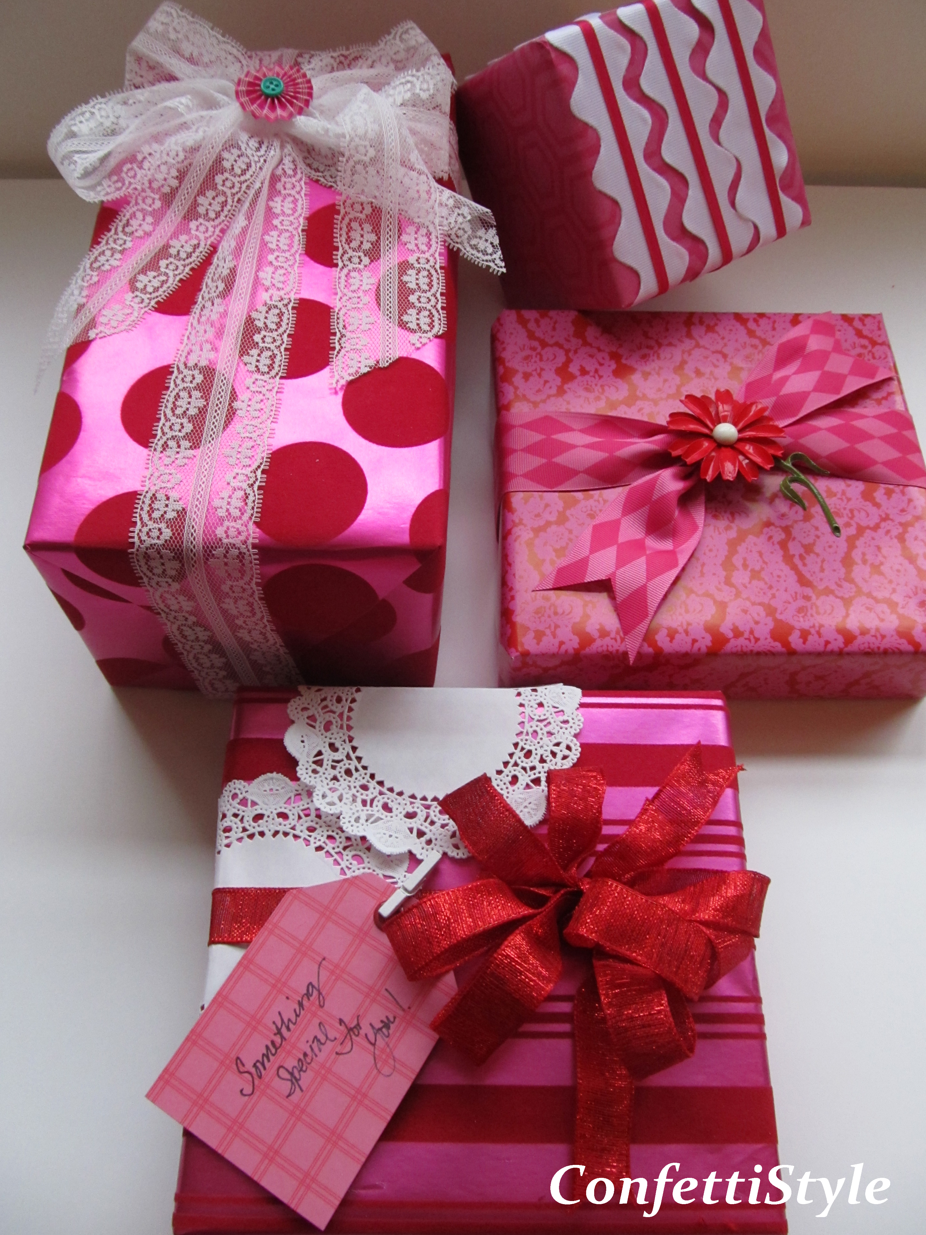 Gift Wrap Inspiration--My Signature Colors | ConfettiStyle