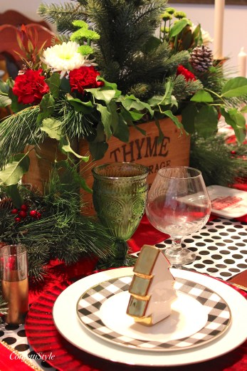Merry and Bright Holiday Home Tour from ConfettiStyle
