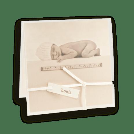 faire-part-naissance-anne-geddes-bebe-allonge-metre-plastique-cy-138
