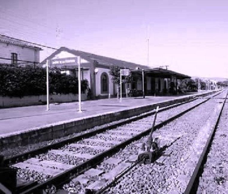 En la estación de tren de Jimena, que estaba a un kilómetro del lugar del siniestrol expreso de Algeciras con destino a Madrid, pararía para llevarse varios heridos con destino al hospital de Ronda.