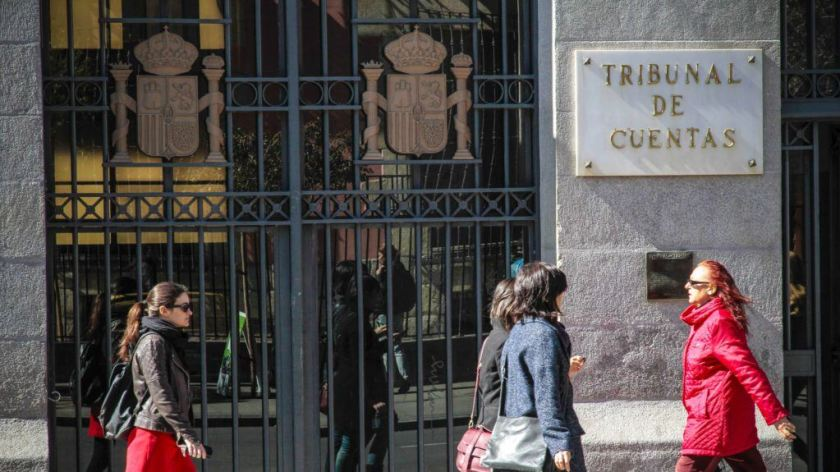 """""""El acuerdo de la Comisión de Gobierno"""" del Tribunal de Cuentas es """"inexistente o nulo"""", según el abogado del Estado-jefe"""