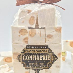PETIT CUBE DE NOUGAT TENDRE  –  Amandes et pistaches – Fabrication traditionnelle – sachet 150g