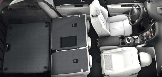 I grandi spazi interni della nuova Peugeot 3008