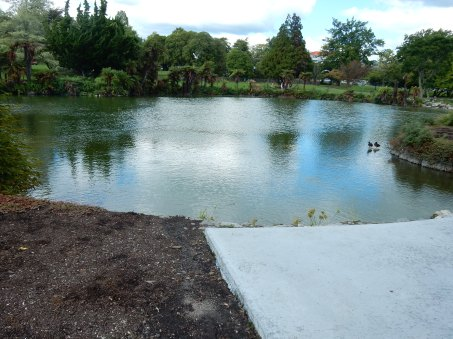 Lake in the park... not geothermal!