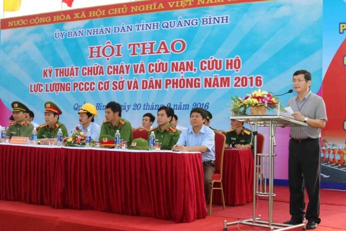 Đồng chí Trần Tiến Dũng - Phó Chủ tịch UBND tỉnh phát biểu tại Hội thao