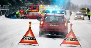 Cảnh báo hỗn loạn giao thông khi tuyết rơi dày