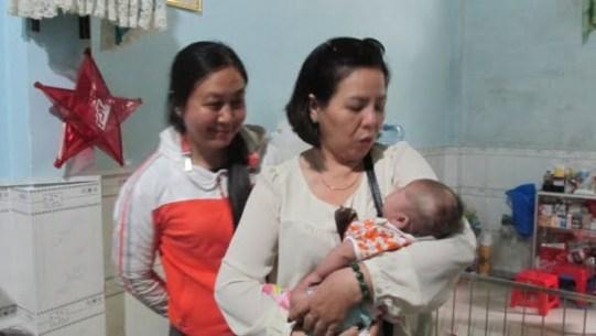Giáo xứ Tân Phú: Nhóm Tự nguyện thăm mái ấm Tín Thác 4