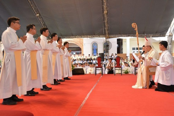 Thánh Lễ truyền chức Linh Mục – Dòng Tên Việt Nam 03.12.2018 6