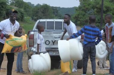 Don de la FONDATION CONGO HOPE à l'orphelinat EVAPEV…