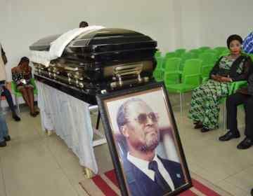 RDC: décédé à La Havane, l'ancien président de l'Assemblée nationale, Tshiamala, inhumé à Kinshasa