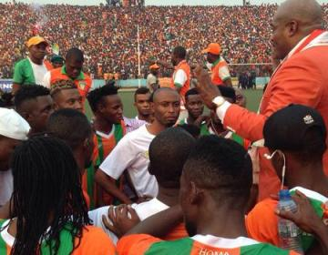 FC Renaissance : vraie-fausse démission de Mukuna, forfait devant Mont Bleu. Déjà le déclin ?