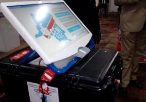 Machine à voter: les techniciens de la CENI balaient les soupçons de fraudes massives dénoncés par Shekomba