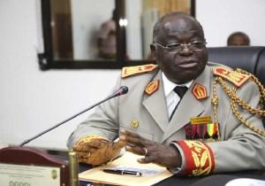 Congo Brazza/ Douanes congolaise: Passation de consignes, Jean Alfred Onanga félicite son successeur.