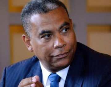 """Olivier Kamitatu: """" Le pays crie au secours. Les caisses sont vides ! """""""