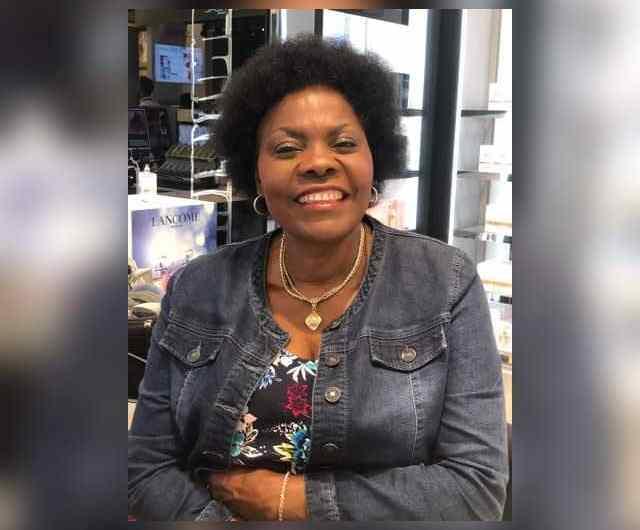 Kasaï central : Mona Luxe Munatshiebe lorgne le Sénat
