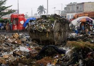"""Kin """"la poubelle"""" : Kimbuta se lave les mains et tacle les premiers ministres Muzito et Matata"""