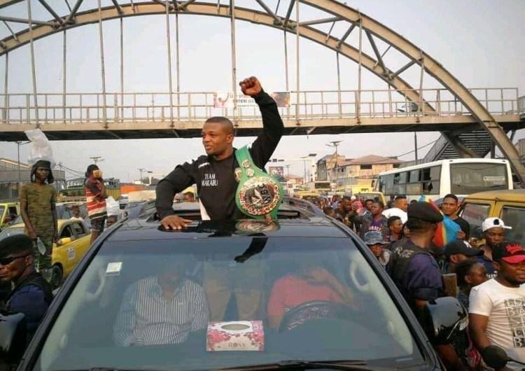 Boxe : le champion du monde Junior Makabu chez Félix Tshisekedi