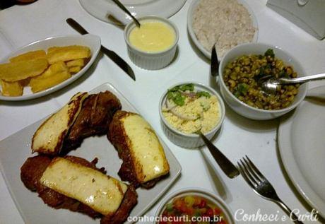 Carne de sol com queijo coalho no restaurante Farofa d´água. Natal