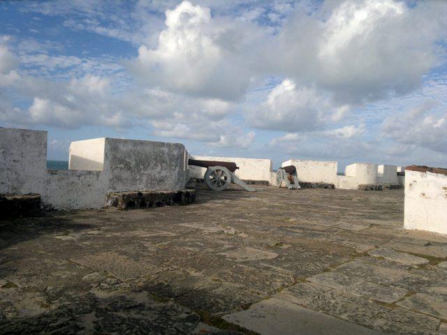 Os canhões na Fortaleza dos Reis Magos, Natal-RN.