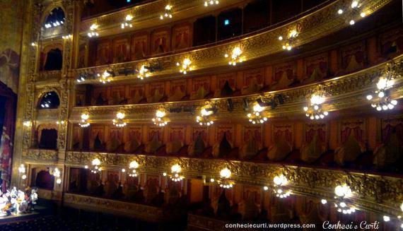A visita guiada ao Teatro Colón em Buenos Aires