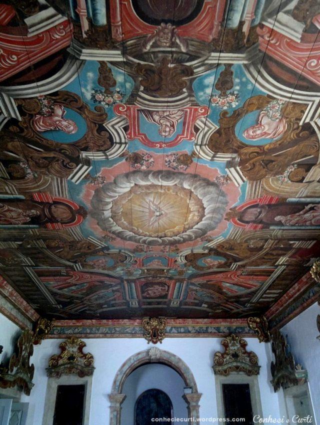 Teto da Sacristia da Igreja de São Francisco – O vermelho da imagem era tinta obtida do pau-brasil.