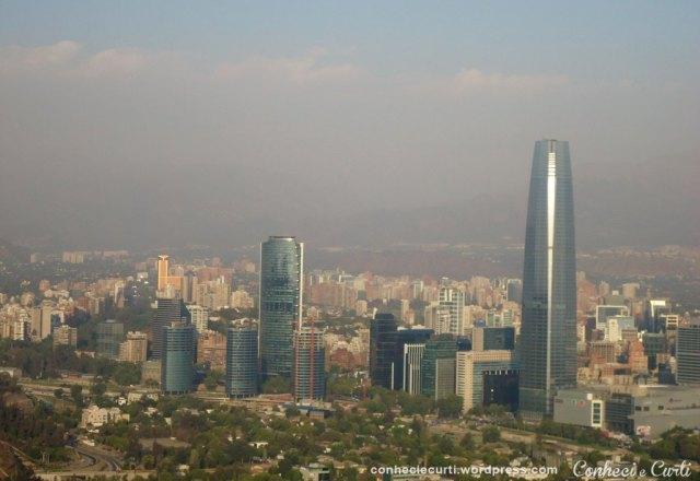 Santiago do Chile com forte poluição pelas queimadas florestais de 2014.