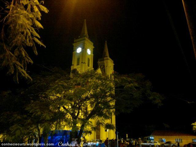 Tomazina-festa-padroeira-igreja-noite