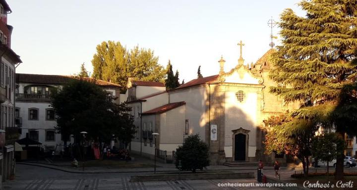 Largo de São João do Couto e a Capela dos Coimbras. Braga, Portugal