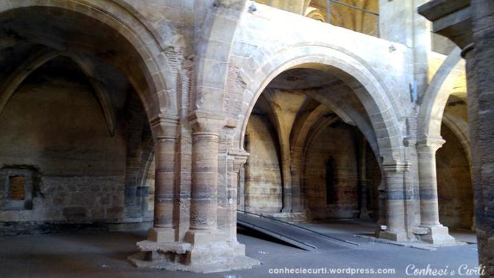 Santa Clara-a-Velha, interior da Igreja. Coimbra.
