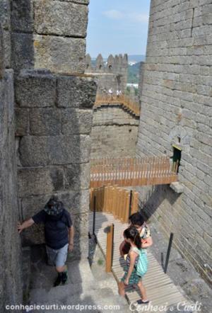 castelo-de-guimaraes-portugal-interno