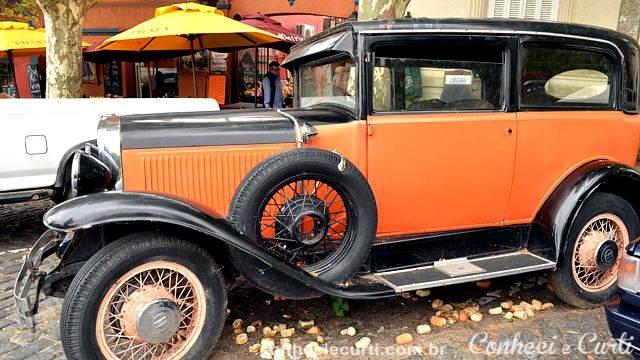 Carro antigo em Colonia del Sacramento