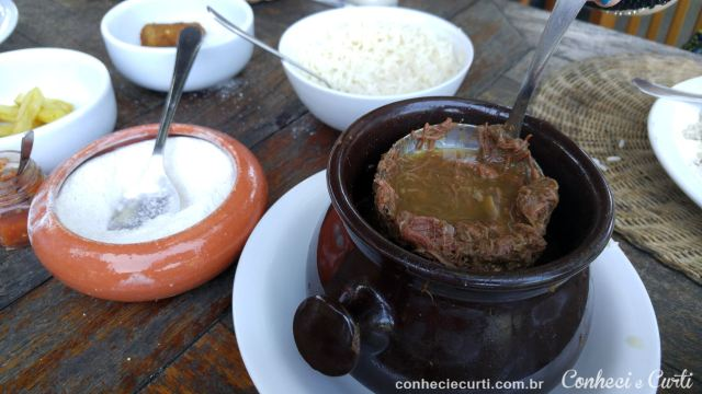 Barreado, comida típica do litoral do Paraná