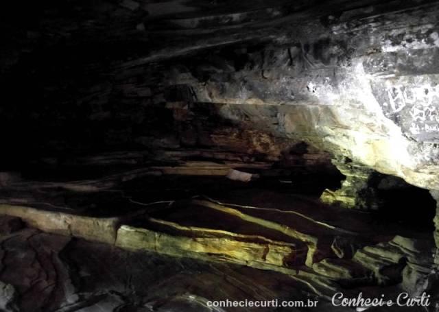 Interior da Gruta São Thomé, onde se escondeu o escravo João Antão.