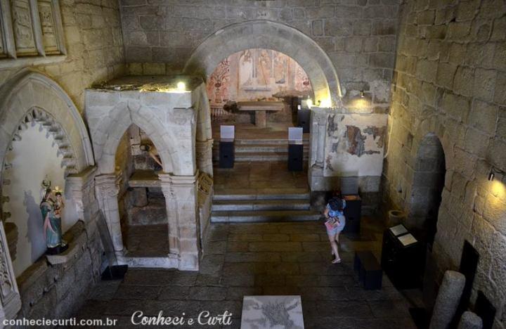 Interior da Igreja de Santiago em Belmonte, Portugal