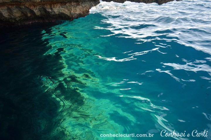Blue Grotto de águas cristalinas em Malta