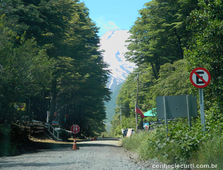 Estrada para o Vulcão Villarrica, Pucón - Chile.