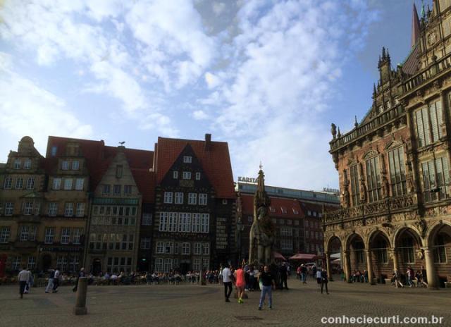 A Markplatz de Bremen e a estátua do Roland - Alemanha.