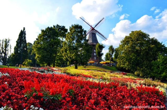 O Wallanlagen parque na primavera. Bremen, Alemanha.