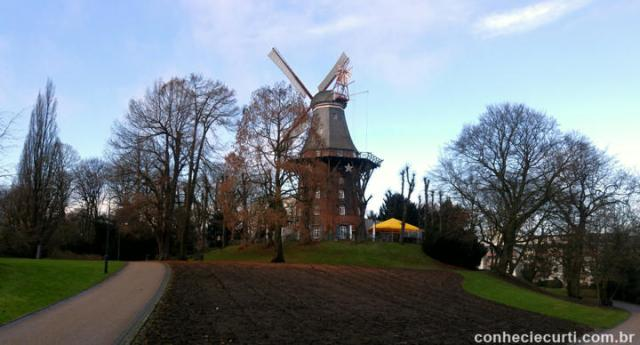 Wallanlagen parque em Bremen, Alemanha. O parque do moinho.