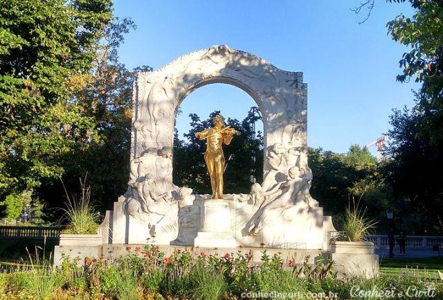 Estátua de Strauss no Stadtpark em Viena.