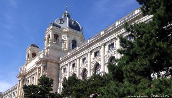 Nosso 2º dia em Viena –  Museu de História Natural, Catacumbas, Peterskirche, Ankeruhr e Stadtpark.