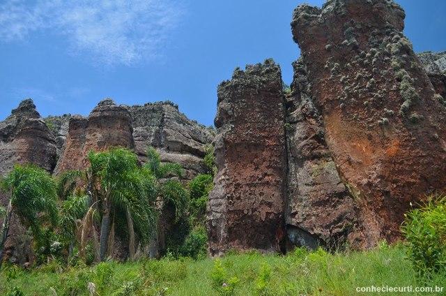 Arenitos de Vila Velha, Ponta Grossa - PR. Formação perfil de Índia. Foto: Maria Eugênia.