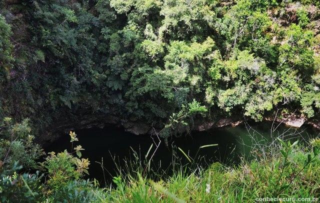 Parque Estadual de Vila Velha em Ponta Grossa - PR. Furnas. Foto: Maria Eugênia.