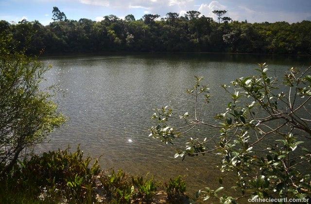 Parque Estadual de Vila Velha em Ponta Grossa - PR. A Lagoa Dourada. Foto: Maria Eugênia.