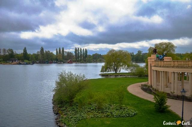 Castelo de Schwerin no lago