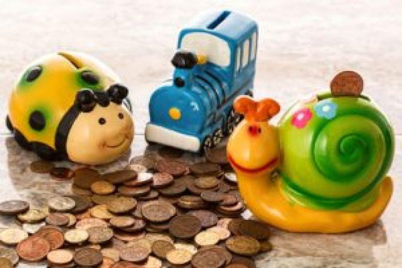 コインと貯金箱