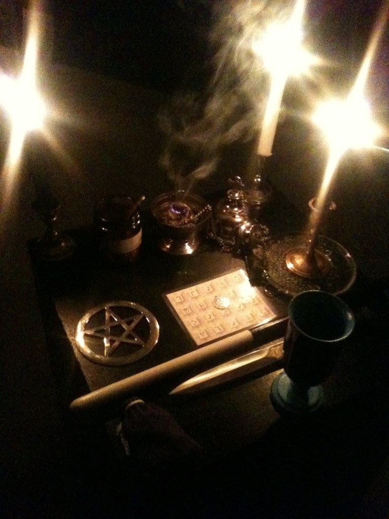 A Closer Look, Photos, Conjure Work, conjurework.com sorcery, Hoodoo, witchcraft, Golden Dawn supplies, Talisman Consecration