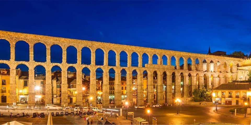 Acueducto de Segovia de Noche